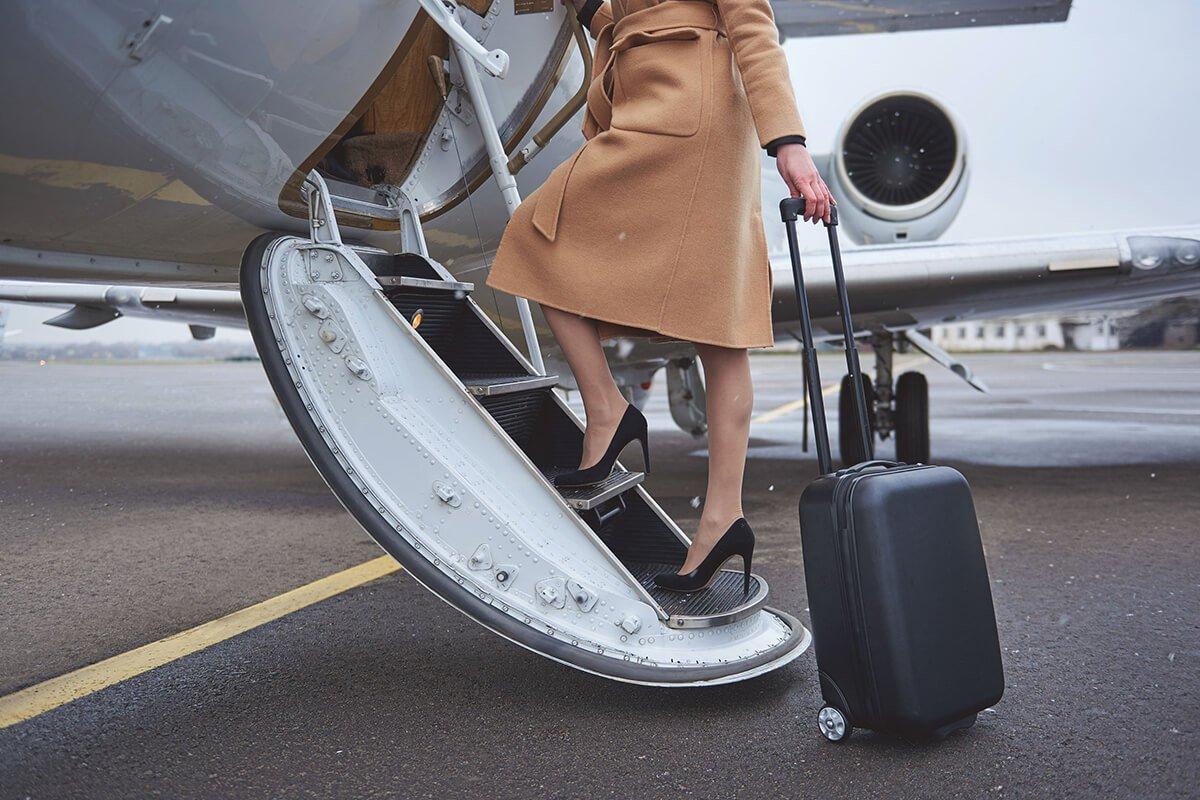 Visszérbetegség kezelése repülőút során